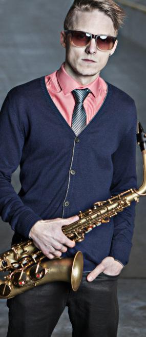 live sax performer